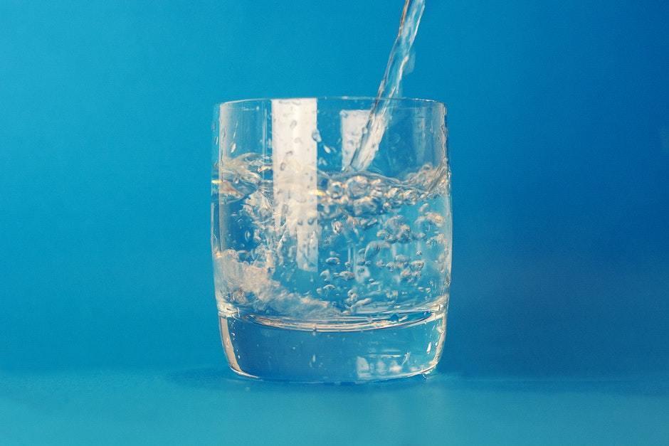 Разгрузочный день на воде: реально ли выдержать и сколько можно сбросить – лечение
