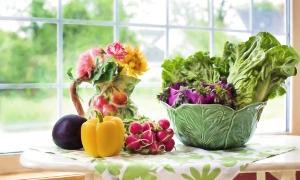 """Гоним лишний вес """"Метелкой"""": рецепты очищающего салата"""