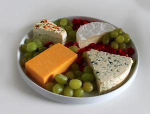 12 причин стать сыроманом. Сколько калорий таит кусочек сыра