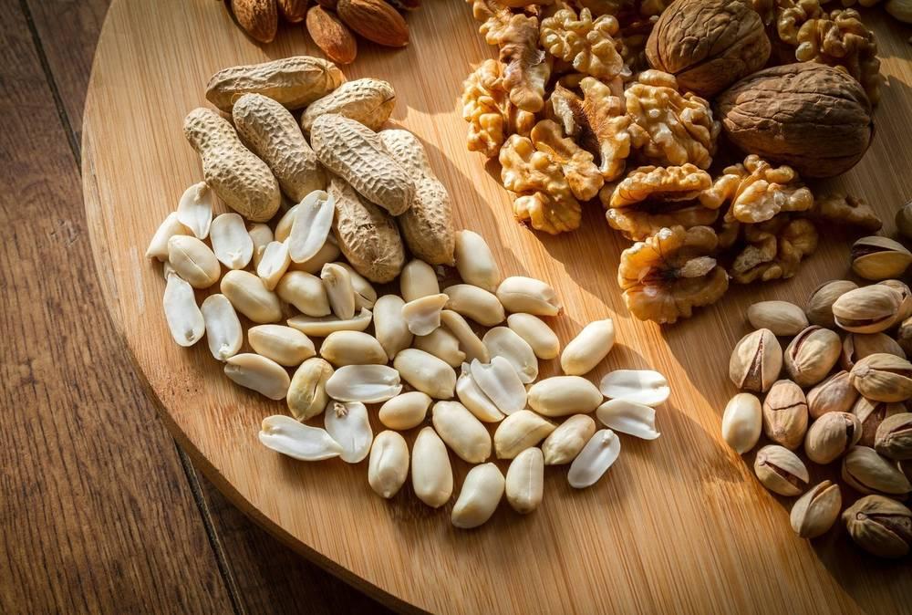 Фундук при похудении: можно ли есть орехи?