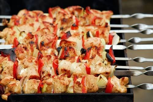 Диетический шашлык из курицы, рыбы, овощей